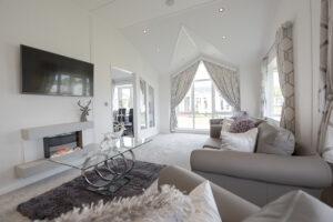 Stately Kensington Lounge